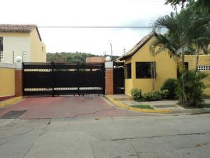 Townhouse En Ventaen Municipio Naguanagua, Tazajal, Venezuela, VE RAH: 17-13258