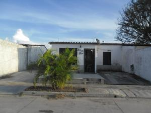 Casa En Ventaen San Joaquin, Villas Del Centro, Venezuela, VE RAH: 17-13254
