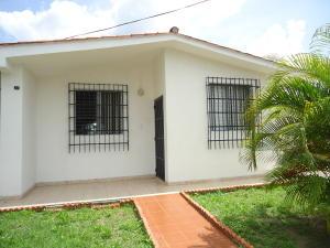 Casa En Ventaen Guacara, Ciudad Alianza, Venezuela, VE RAH: 17-13267