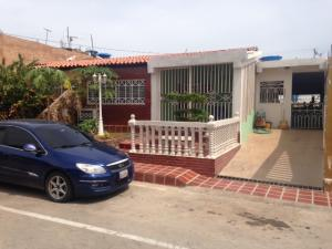 Casa En Ventaen Maracaibo, Via Aeropuerto, Venezuela, VE RAH: 17-13291