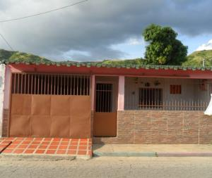 Casa En Ventaen Turmero, El Macaro, Venezuela, VE RAH: 17-13321