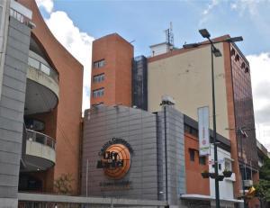 Local Comercial En Ventaen Caracas, Sabana Grande, Venezuela, VE RAH: 17-13332
