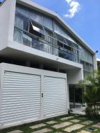 Casa En Ventaen Caracas, Santa Marta, Venezuela, VE RAH: 17-13336