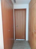 Apartamento En Venta En Caracas - Altamira Código FLEX: 16-6296 No.17