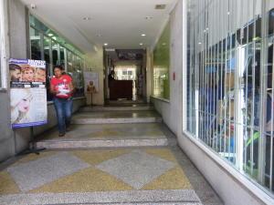 Local Comercial En Venta En Caracas - Sabana Grande Código FLEX: 17-13342 No.2