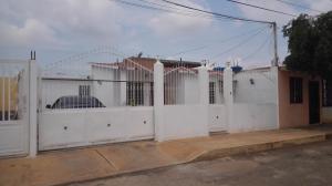 Casa En Ventaen Municipio San Francisco, El Soler, Venezuela, VE RAH: 17-13365
