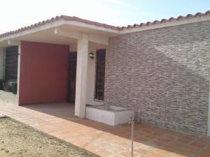 Casa En Ventaen Punto Fijo, Judibana, Venezuela, VE RAH: 17-13337