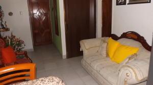 Apartamento En Venta En Caracas - Parroquia La Candelaria Código FLEX: 17-13471 No.3