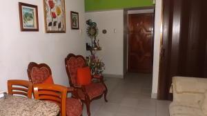 Apartamento En Venta En Caracas - Parroquia La Candelaria Código FLEX: 17-13471 No.4