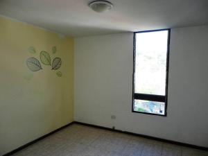 Apartamento En Venta En Caracas - Prados del Este Código FLEX: 17-13429 No.14