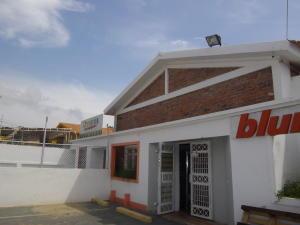 Local Comercial En Ventaen Maracaibo, 5 De Julio, Venezuela, VE RAH: 17-13481
