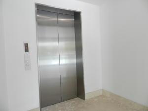 Apartamento En Venta En Caracas - Altamira Código FLEX: 17-13355 No.5