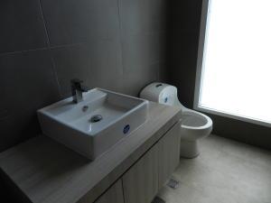 Apartamento En Venta En Caracas - Altamira Código FLEX: 17-13355 No.13