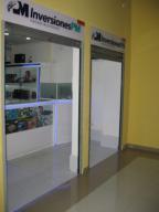 Local Comercial En Ventaen Maracay, Avenida Bolivar, Venezuela, VE RAH: 17-13203