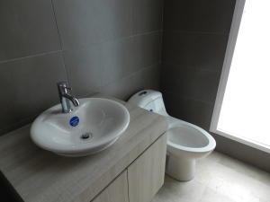 Apartamento En Venta En Caracas - Altamira Código FLEX: 17-13357 No.16