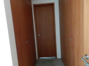 Apartamento En Venta En Caracas - Altamira Código FLEX: 17-13357 No.13
