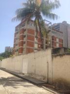 Apartamento En Ventaen Parroquia Naiguata, Camuri Grande, Venezuela, VE RAH: 17-13489