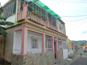 Casa En Ventaen Valencia, La Isabelica, Venezuela, VE RAH: 17-13546