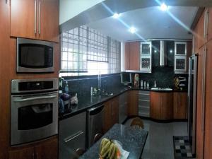 Apartamento En Venta En Caracas - Cumbres de Curumo Código FLEX: 17-13571 No.3