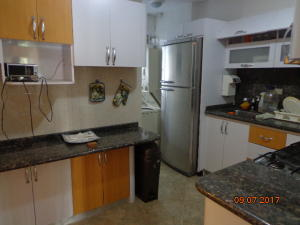 Apartamento En Venta En Caracas - Altamira Sur Código FLEX: 17-13572 No.3