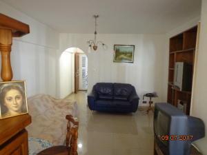 Apartamento En Venta En Caracas - Altamira Sur Código FLEX: 17-13572 No.12