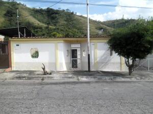 Casa En Ventaen Maracay, La Candelaria, Venezuela, VE RAH: 17-13576
