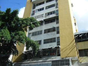 Oficina En Ventaen Caracas, Parroquia Santa Rosalia, Venezuela, VE RAH: 17-13651
