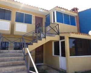 Apartamento En Ventaen Chichiriviche, Flamingo, Venezuela, VE RAH: 17-13602