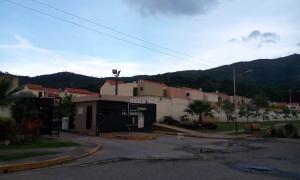 Townhouse En Ventaen Municipio Naguanagua, Tazajal, Venezuela, VE RAH: 17-13626