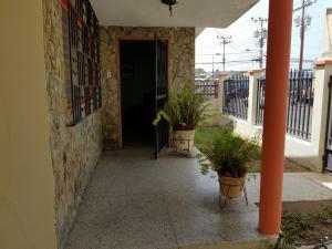 Casa En Ventaen Punto Fijo, Centro, Venezuela, VE RAH: 17-13628