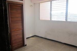 Apartamento En Venta En Caracas - Parroquia La Candelaria Código FLEX: 17-13724 No.9