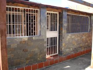 Casa En Ventaen Cagua, Prados De La Encrucijada, Venezuela, VE RAH: 17-13722