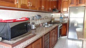 Apartamento En Venta En Caracas - Lomas del Avila Código FLEX: 17-13744 No.4