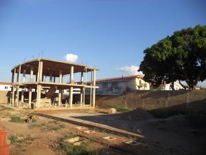 Terreno En Ventaen Coro, Av Los Medanos, Venezuela, VE RAH: 17-13861