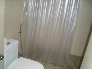 Apartamento En Venta En Caracas - Los Palos Grandes Código FLEX: 17-13853 No.8