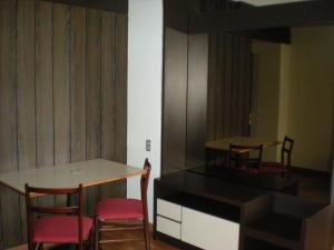 Apartamento En Venta En Caracas - Los Palos Grandes Código FLEX: 17-13853 No.3