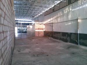 Galpon - Deposito En Ventaen Maracaibo, Avenida Bella Vista, Venezuela, VE RAH: 17-13871