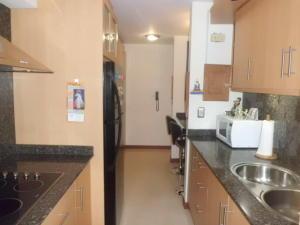 Apartamento En Venta En Caracas - Lomas del Avila Código FLEX: 17-14010 No.5