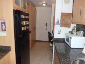 Apartamento En Venta En Caracas - Lomas del Avila Código FLEX: 17-14010 No.6