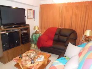 Apartamento En Venta En Caracas - Lomas del Avila Código FLEX: 17-14010 No.13