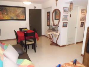 Apartamento En Venta En Caracas - Lomas del Avila Código FLEX: 17-14010 No.16