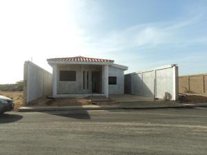 Casa En Ventaen Punto Fijo, Puerta Maraven, Venezuela, VE RAH: 17-14063