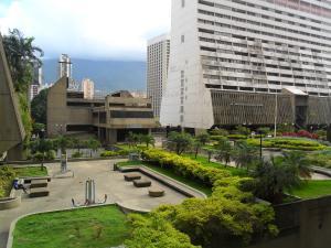 Oficina En Ventaen Caracas, Parque Central, Venezuela, VE RAH: 17-14028