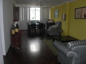 Apartamento En Venta En Caracas - Las Delicias de Sabana Grande Código FLEX: 17-14058 No.3