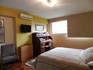 Apartamento En Venta En Caracas - La Florida Código FLEX: 17-14067 No.17