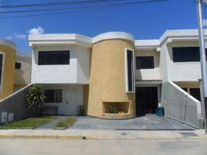 Townhouse En Ventaen Turmero, Santiago Mariño, Venezuela, VE RAH: 17-14117