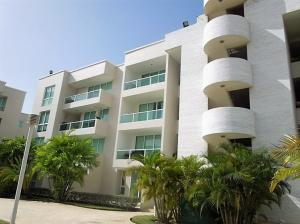 Apartamento En Alquileren Lecheria, Complejo Turistico El Morro, Venezuela, VE RAH: 17-14145