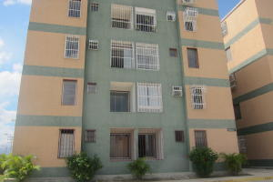 Apartamento En Ventaen Charallave, Rio Tuy, Venezuela, VE RAH: 17-14241