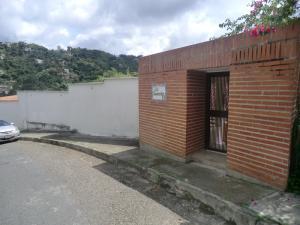 Casa En Venta En Caracas - Oripoto Código FLEX: 17-14252 No.0