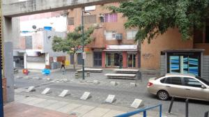 En Venta En Caracas - Sabana Grande Código FLEX: 17-14260 No.14
